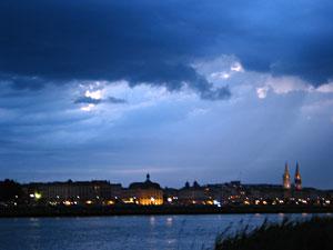Vue sur la rive gauche depuis la Bastide